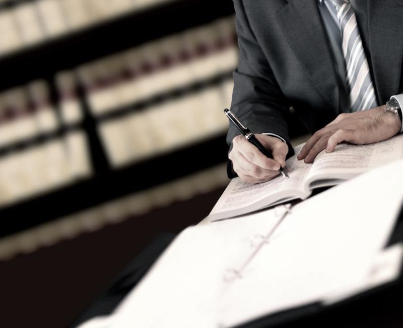 Anwalt für Vertragsrecht